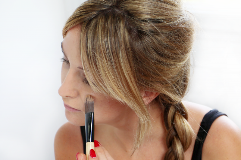 Apply an oil-free foundation using a brush