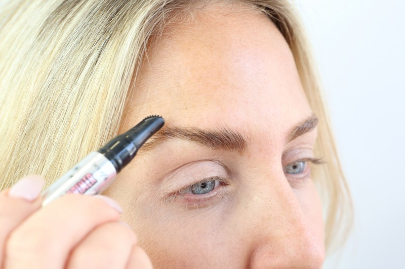 8-brush-brows-up-with-browvo