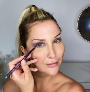 Lauren using BADgal BANG 24 hour eye pencil